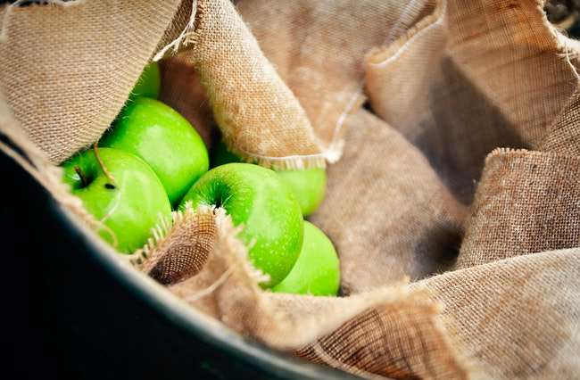 vitamins in green apples, image
